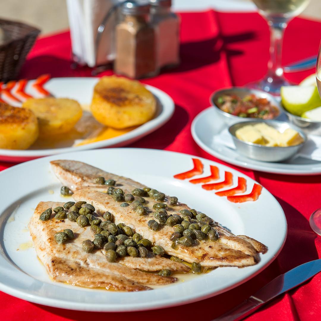 fotografía de plato típico de pescado