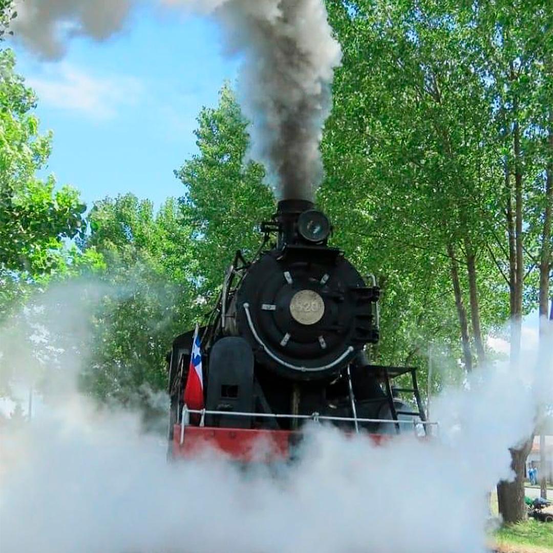 fotografía tren ferrocarril humeando vapor